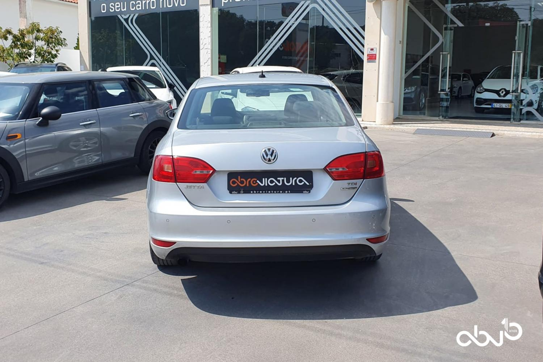 Volkswagen Jetta  1.6 Tdi Bluemotion  Fátima Abreviatura