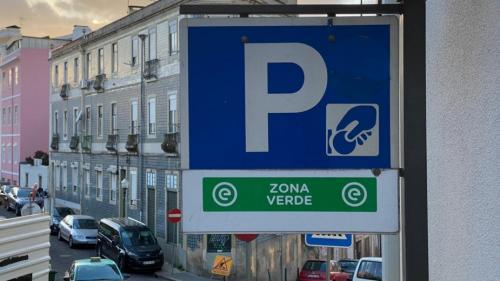 EMEL. A partir de 14 de abril volta a pagar-se o estacionamento em Lisboa