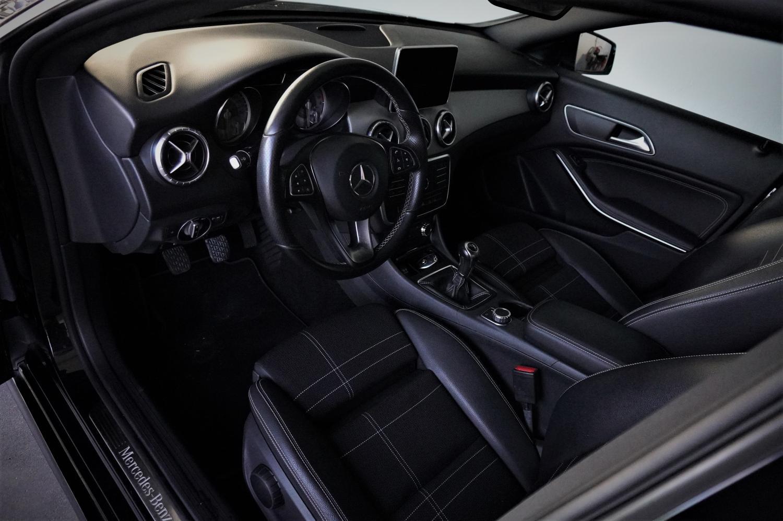 Mercedes-Benz CLA 180 d Urban (109cv) (4p)