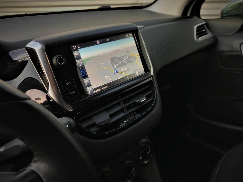 Peugeot 208  1.6 BlueHDi Style GPS