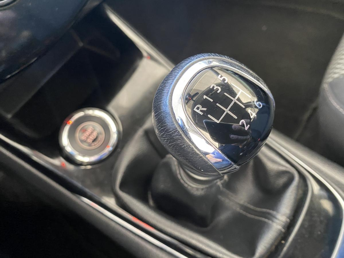 Nissan Pulsar 1.2 turbo N-Connecta gps camera