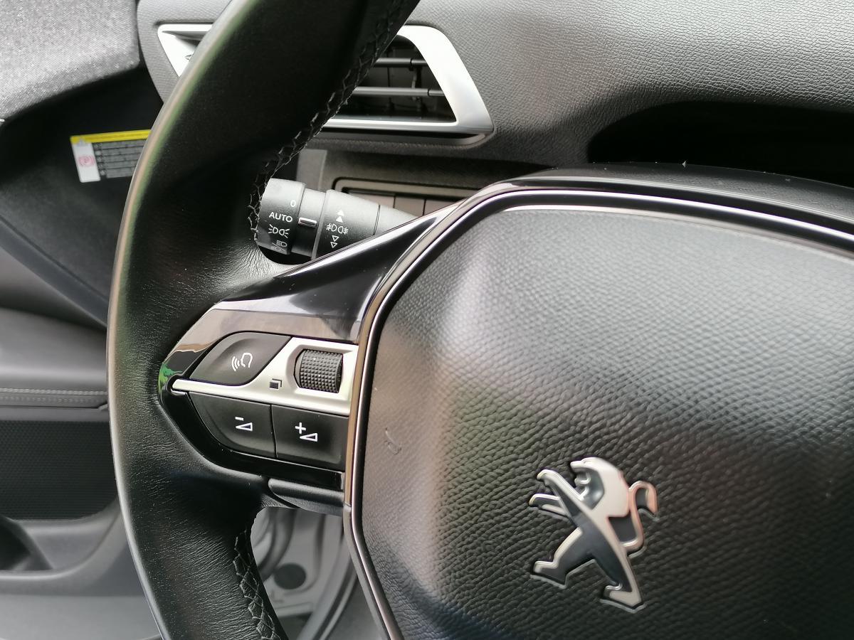 Peugeot 3008 1.6 Allure Led´s,CarPlay, JLL19