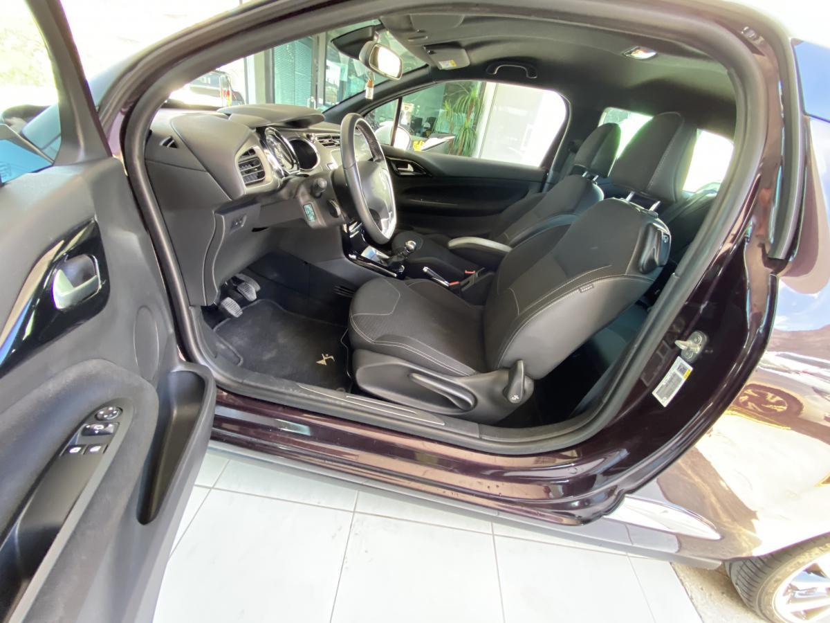 Citroen DS3 1.2 turbo  CarPlay